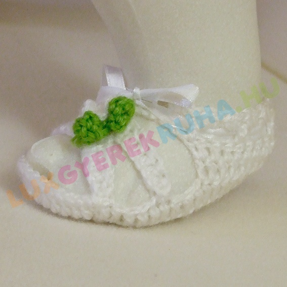 8d567e03b7 AKCIÓS - 50% Horgolt újszülött mamusz, kocsicipő, baba szandál - fehér